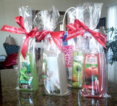 Great hostess gifts made easy debbie reynolds harper for Hostess gifts that travel well